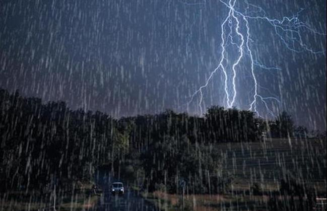 هواشناسی ایران ۱۴۰۰/۰۴/۳۰  رگبار و وزش باد شدید در ۸ استان/ هشدار خسارت به محصولات کشاورزی