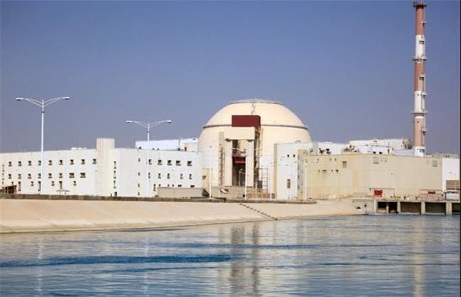 برق اتمی یا برق خورشیدی؟/  کشورهای پیشرفته نیروگاه های اتمی خود را تعطیل خواهند کرد/ ایران به دنبال گسترش نیروگاه های اتمی با هدف تأمین برق است/ اسلامی: درباره تعهدات مالی ایران به روسیه گفت وگو و تفاهم کردیم